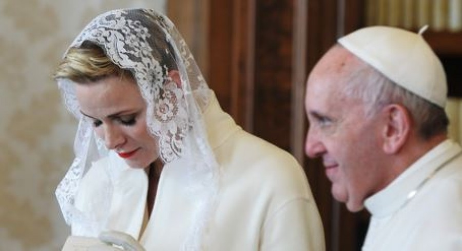 Interesting: Only 7 women are allowed to wear white when meeting the Pope