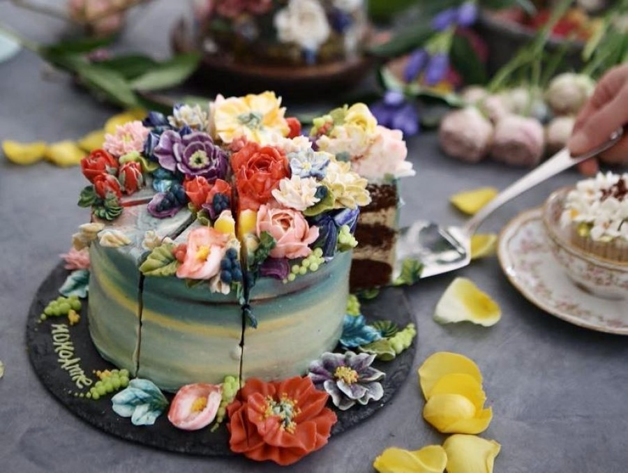 Incredible flower cakes - eating it seems like a crime